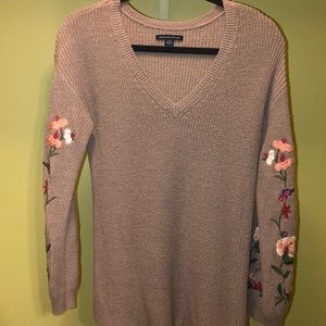 AE Floral Balloon Sleeve Sweater
